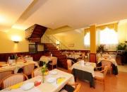 i tavoli della sala colazioni