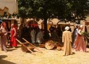 mercato-delle-gaite-scena-vita-medievale-noleggio-con-conducente