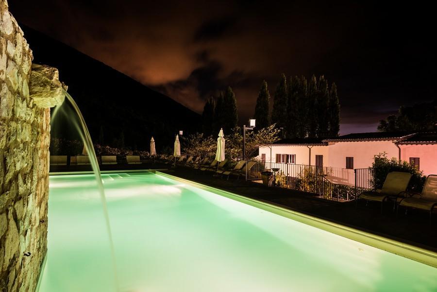 Resort Borgo Santa Lucia di sera