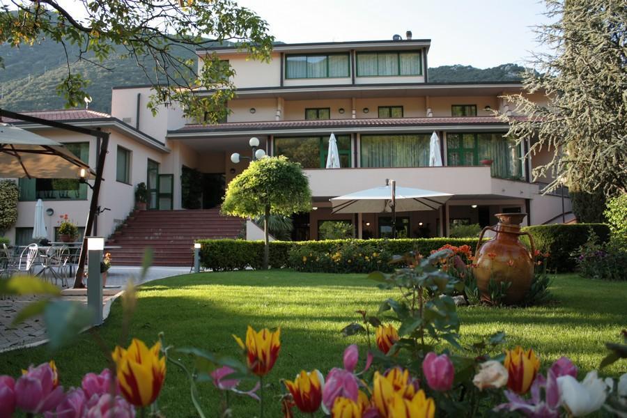 hotel-visto-dal-giardino